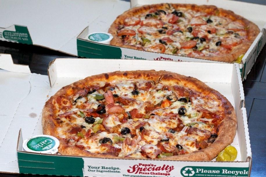 dwie pizze kupione za 10 000 bitcoinów