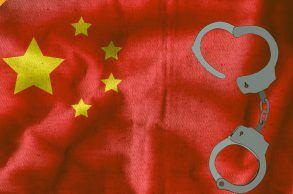 w chinach aresztowano 3 osoby, które stworzyły piramidę finansową po tym gdy padli ofiarami piramidy finansowej